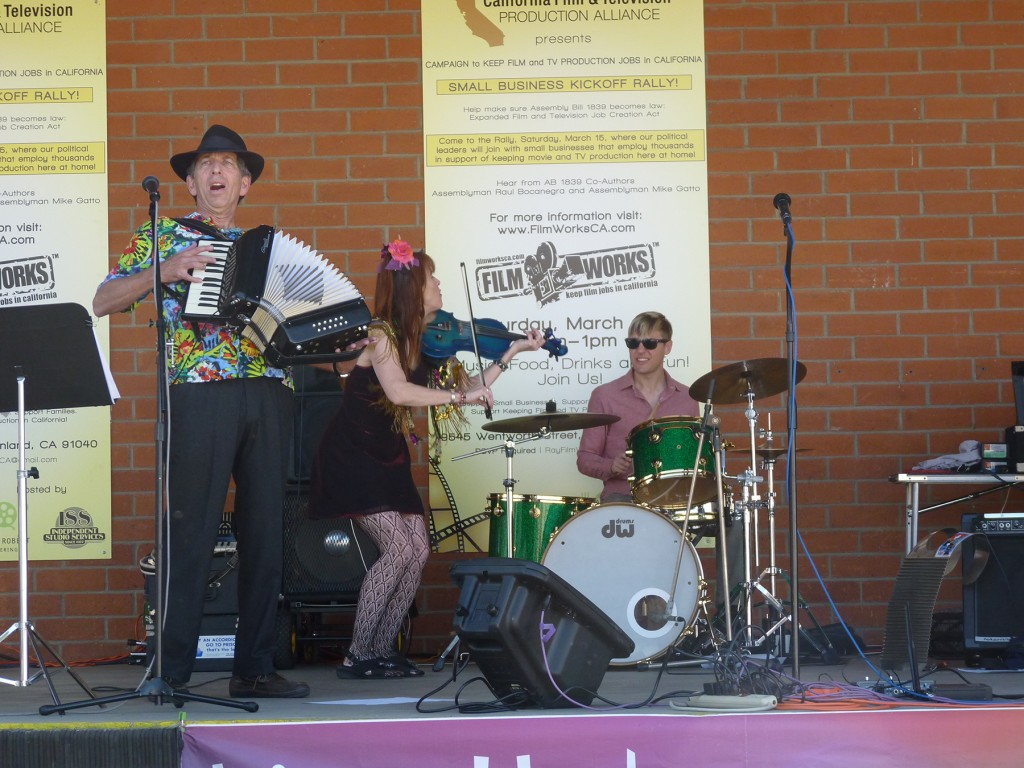Local 47's #listenLA campaign co-sponsored a film and TV vendor rally in Sunland March 15. Local Grammy-nominated group Lisa Haley and the Zydekats provided lively zydeco music throughout the day.