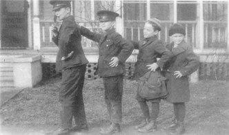 THE TANNER BROTHERS — Bob, Slim, Paul and Don in formation in Laurel, Delaware, 1925. Then just a foursome, brothers Tim and Stu would soon follow. (Photo courtesy Slim Tanner)THE TANNER BROTHERS — Bob, Slim, Paul and Don in formation in Laurel, Delaware, 1925. Then just a foursome, brothers Tim and Stu would soon follow. (Photo courtesy Slim Tanner)